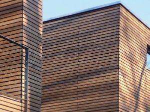Facciate in legno di Larice e Douglas colorate e impregnate